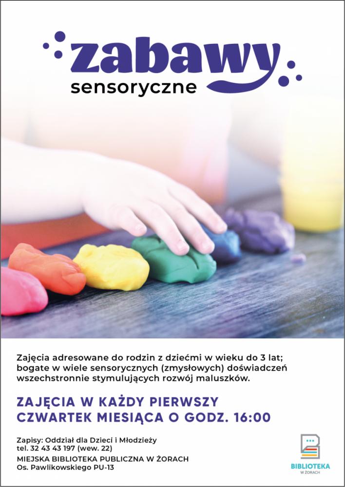 Plakat promujący zajęcia sensoryczne z dzieckiem bawiącym się masą plastyczną.